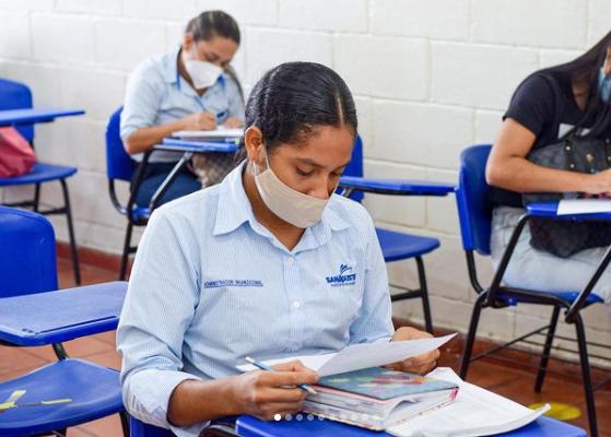 FundAcción cumplió 10 años ofreciendo becas de estudio a sus trabajadores - Noticias de Colombia