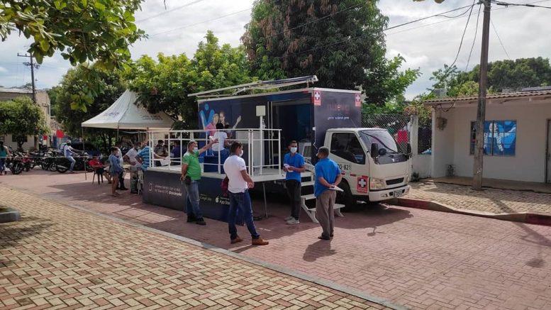 """""""Vitrina Móvil"""" de Sahagún aplicó 310 dosis contra el Covid-19 entre viernes y sábado - Noticias de Colombia"""